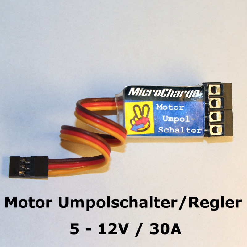 MicroCharge Motor-Umpolschalter 30A mit Schraubklemmen.