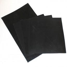 3 Gummiplatten 174 x 205 x 3mm, 1 Platte 174 x 297 x 3mm.