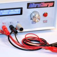 Batterie-Messgeräte zur Messung von Spannung, Kapazität und Kaltstartstrom.